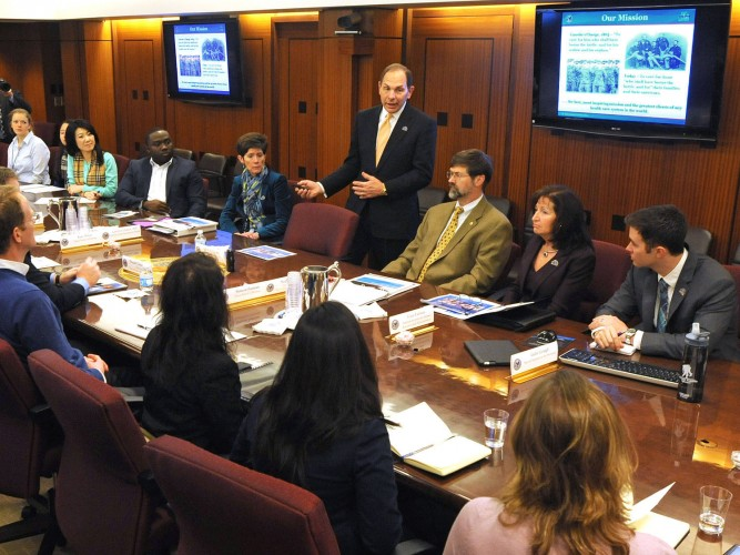 On Wednesday, January 7, 2015, VA Secretary Bob McDonald met with medical students for Duke University to encourage recruitment into the VA medical system. VA photo by Robert Turtil.